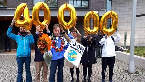 Kuvat: Kansanedustaja Kari Uotila on laskenut juoksukilometrejään vuodesta 1991 – lopputulos vetää monen kuntoilijan hiljaiseksi