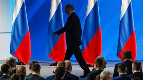 Suomalaisasiantutkijan mukaan Putin on jäämässä merkittävään valta-asemaan myös vuonna 2024 päättyvän presidenttikautensa jälkeen.