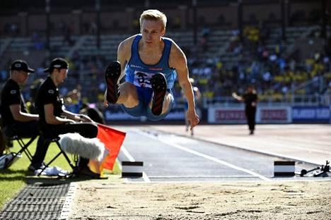 Kristian Pulli hyppäsi hyvän kisan, mutta jäi ilman kisapaikkaa.