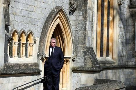Andrew antoi lausuntonsa sen jälkeen, kun oli osallistunut jumalanpalvelukseen Windsorin linnan kappelissa sunnuntaina.