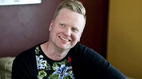 Sami Minkkinen on esiintynyt myös tv:ssä puhumassa parisuhteista. Minkkinen on myös yksi Suomen ihanimmat häät -ohjelman raatilaisista.