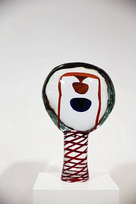 Kuvassa Oiva Toikan Lollipop-sarjan uniikkiteos.