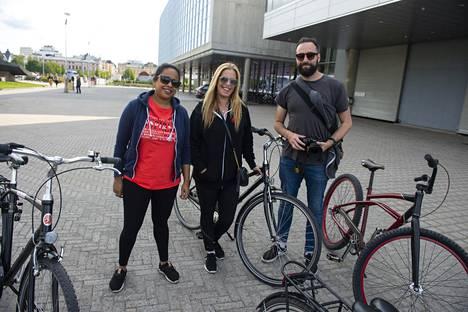 Ellen Schwartz, Asha Sharma ja Ben Bailey tutustuivat Ouluun.