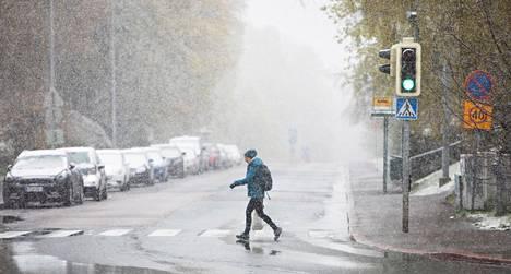 Tältä näytti toukokuun 11. päivä viime vuonna. Keskiviikon jälkeen Suomeen saapuu kylmää ja sateista säätä. Osissa maata ei räntä- ja lumisateiltakaan vältytä.