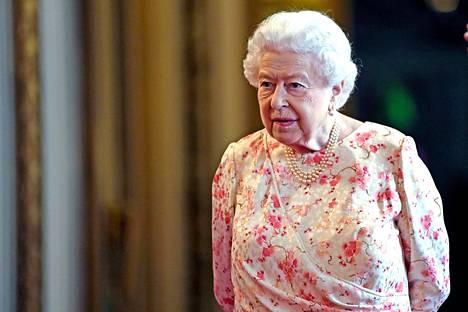 Kuningattarella ei juuri ole liikkumavaraa asiassa.