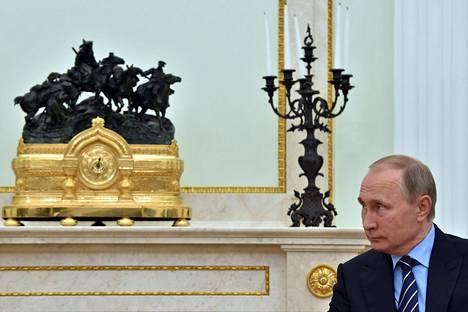 Vladimir Putin käyttää kaikki tilaisuudet hyväkseen pönkittääkseen Venäjän valtaa.
