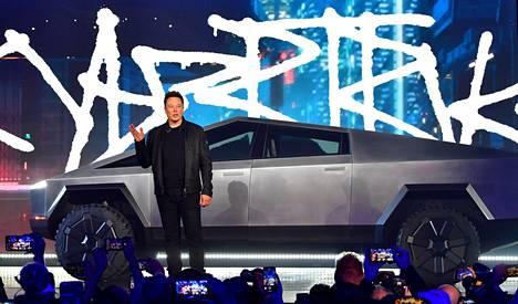 Elon Muskin esityksestä kävi ilmi muun muassa se, että uutuusauto on kuusipaikkainen.