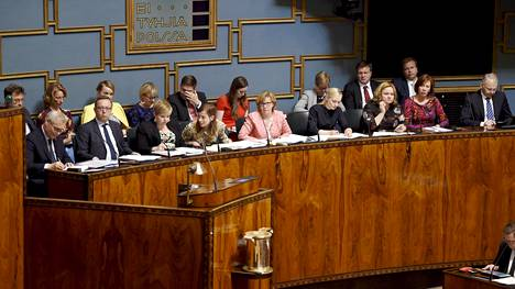 Hallituksen ministerit ministeriaitiosssa eduskunnan täysistunnossa Helsingissä 11. kesäkuuta 2019.
