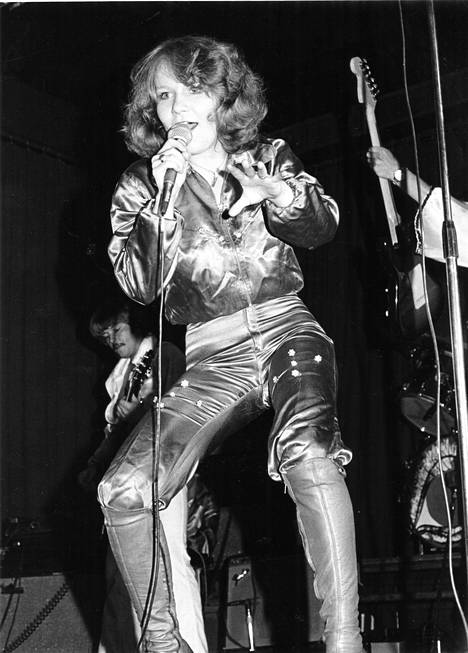 1977: Vicky Rosti esiintyi Tavastialla.