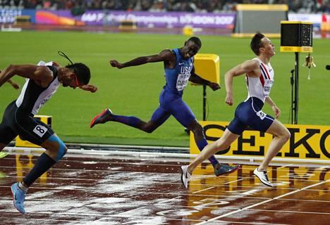 Warholm päihitti kaikki 400 metrin aidoissa.