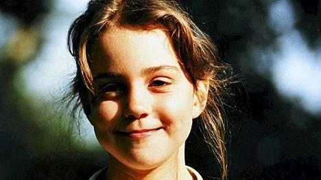 Tämä kuva viisivuotiaasta Katesta on peräisin Middletonien perhealbumista.