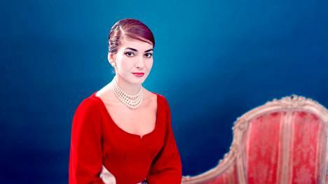 Dokumentti kuvaa, kuinka sopraano Maria Callas nousi tähtiin. Hänellä tuntui olevan kaikkea, mutta