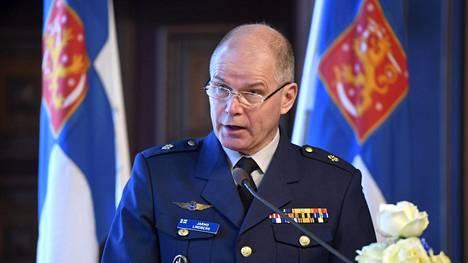 Jarmo Lindbergin viisivuotinen kausi puolustusvoimien komentajana päättyy heinäkuun lopussa.