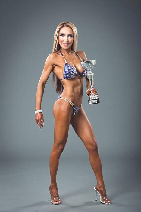 Nadja voitti Nadja Eerolana bikini fitnessin SM-kisoissa oman sarjansa, eli yli 35-vuotiaat vuonna 2016.