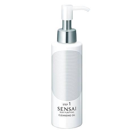 J-beautyssa luotetaan syväpuhdistaviin öljyihin. Sensai Silky Purifying Cleansing Oil -puhdistusöljy poistaa myös silmämeikin. 53 € / 150 ml.