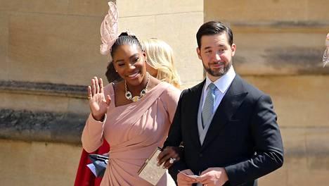 """Kuninkaallisista häistä levisi kiusallinen huhu – Serena Williams oikoi virheellistä uutisointia: """"Saimme siitä hyvät naurut"""""""