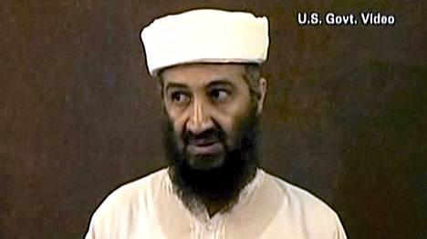 Amerikkalaisten julkaisemalla videolla Osama bin Laden esiintyy piilopaikassaan.