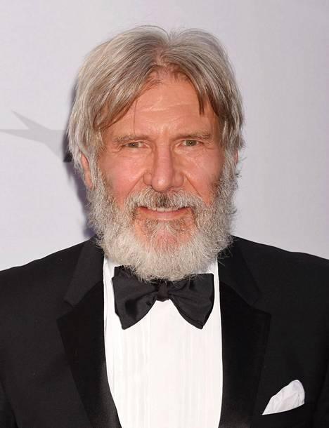 Harrison Ford ei ole kommentoinut suhdeväitteitä.