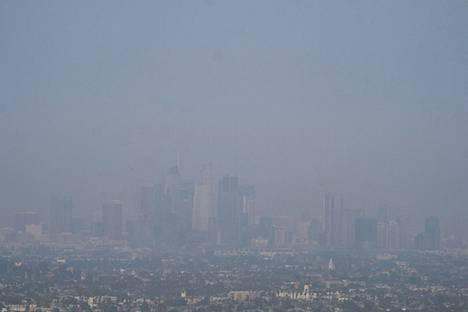 Los Angeles tiistaina. Savua on ilmassa paljon.