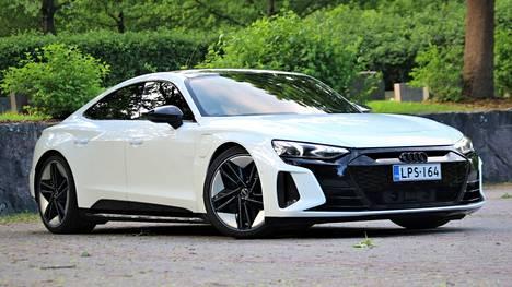 SILMÄNRUOKAA Audi RS e-tron GT:n muotoilussa on huomioitu sekä aerodynamiikan vaatimukset että esteettiset arvot.
