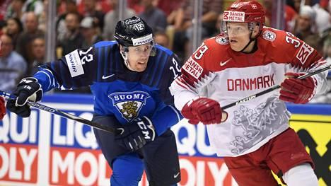 Marko Anttila ja Julian Jakobsen taistelivat keskiviikkona Jyske Bank Boxenissa.