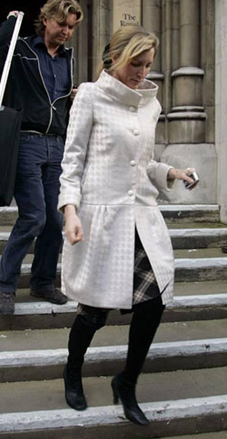 Heather Mills käänsi turkiskannassaan takkia.