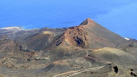 Cumbre Viejan tulivuorialue La Palman saaren eteläosassa.