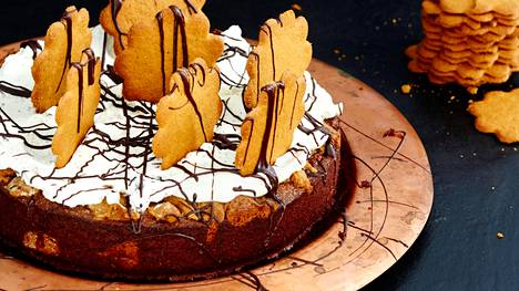 Piparisuklaakakku on näyttävä, mutta helppo valmistaa.