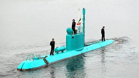 Iranin uusi Ghadir-luokan sukellusvene naamiovärissään.