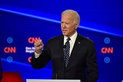 Joe Bidenin mukaan oli virhe tukea Irakin sotaa.