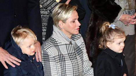 Ruhtinatar Charlene julkaisi suloisen otoksen ruhtinasparin lapsista.