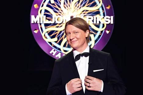 Jaajo Linnonmaa on juontanut Nelosen Haluatko miljonääriksi? -visailua vuodesta 2016 lähtien.