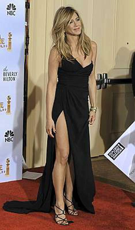 Jennifer Anistonin halkio oli syvä, mutta tyylikäs.