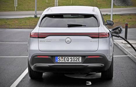 Varusteista riippuen Mercedes-Benz EQC:n maksimimatka yhdellä latingilla vaihtelee 374–417 kilometrin välillä uuden WLTP-mittaustavan mukaan.