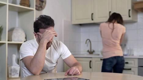 On selvä, että esimerkiksi stressi, väsymys, kivut ja nälkä vaikeuttavat sitä, että ei aina pystyy ottamaan rennosti.