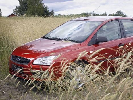 Moni autonvalmistaja on menestynyt Ruotsin tuetuilla markkinoilla uusilla biopolttoaine-, hybridi- ja maakaasumalleillaan.