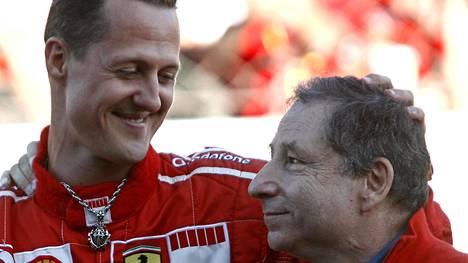 Michael Schumacher loukkaantui vuonna 1999 Britannian Silverstonessa. Tallipoma Jean Todt halusi tuolloin käyttää kaikki keinot saadakseen Schumacherin pikaisesti taas ajokuntoon.