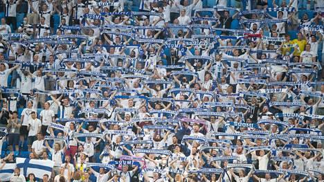 """Suomen fanit hurmasivat kisoissa, mutta kotiin on tullut myös kisojen jälkeen toisenlaisia """"positiivisia"""" uutisia."""
