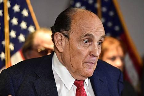 Rudy Giulianin valuva hiusväri varasti huomion pari viikkoa sitten.