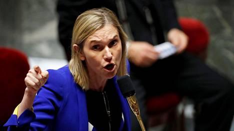 Ranskan teollisuusministeri Agnès Pannier-Runacher otti kantaa Nokian suunnittelemiin vähennyksiin. Kuva Ranskan parlamentin alahuoneen kyselytunnilta keskiviikkona.