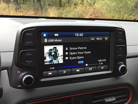 Käytettävyydeltään varsin hyvä tietoviihdejärjestelmä on tuttua Hyundai-Kia -konsernitavaraa.