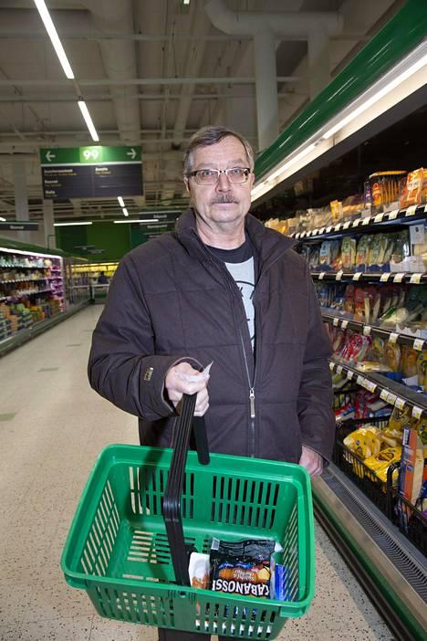 Viikon ruoat kustantavat hieman alle 200 euroa Juha Ståhlbergin kolmihenkisessä perheessä.