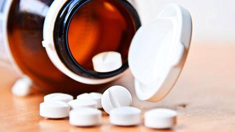 Tuoreen yhdysvaltalaistutkimuksen perusteella riskit ovat merkittäviä varsinkin iäkkäillä potilailla, jotka ovat usealla lääkityksellä samaan aikaan.