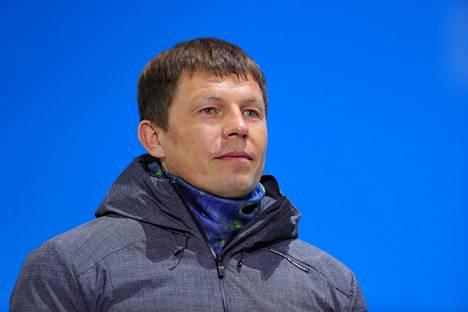 """Venäjän ampumahiihtoliiton puheenjohtajan Viktor Maigourovin mukaan kaikilla viime hetkillä kilpailuista vetäytyneillä junioreilla oli """"omat syynsä""""."""