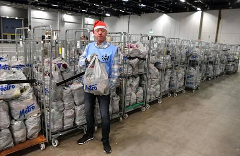 Matti Toimela on ollut jo pitkään vapaaehtoisena Hurstin joulujuhlassa.