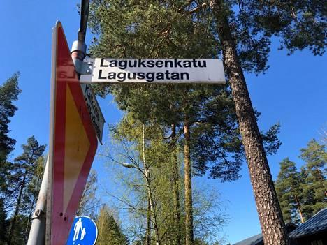 Mannerheim-ristin ritarin mukaan on kaupungissa myös nimetty katu.