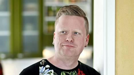 Bloggaaja Sami Minkkinen juontaa tulevan Kielletty rakkaus -tosi-tv-ohjelman.