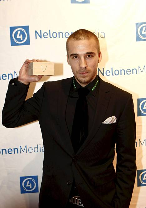 Vuoden 2008 parhaana tv-esiintyjänä palkittu Aleksi Valavuori oli riehakkaalla tuulella.