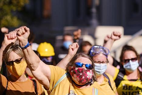 BLM-mielenosoitukset ovat saaneet tuekseen äitejä ympäri maata. Kuva Des Moinesista Iowasta 28.7.