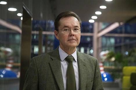 Helsingin yliopiston Pohjois-Amerikan tutkimuksen professori Mikko Saikku.